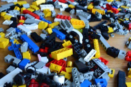 11 praktische tips om je LEGO-blokjes op te ruimen en te organiseren
